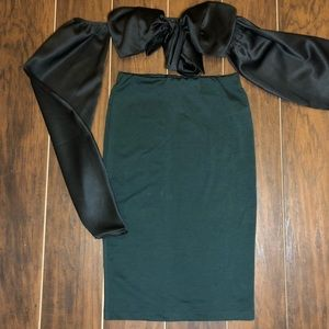 Tight forest green pencil skirt
